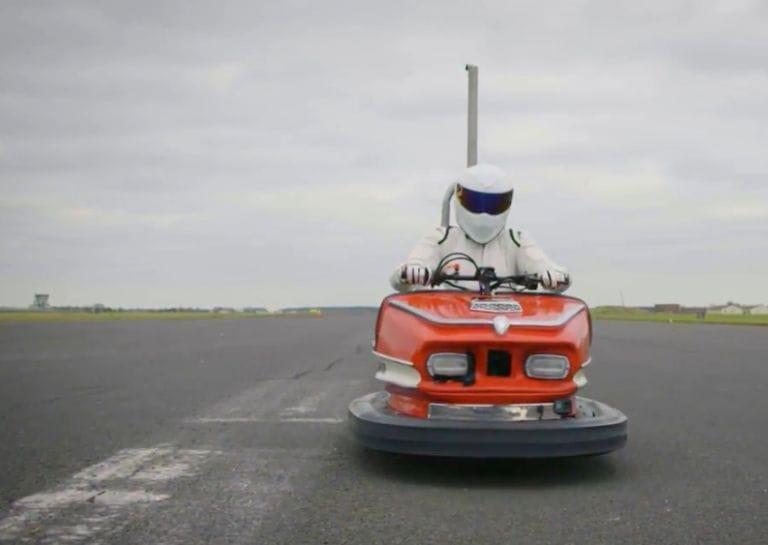 Гонщик установил рекорд скорости на аттракционном автомобиле