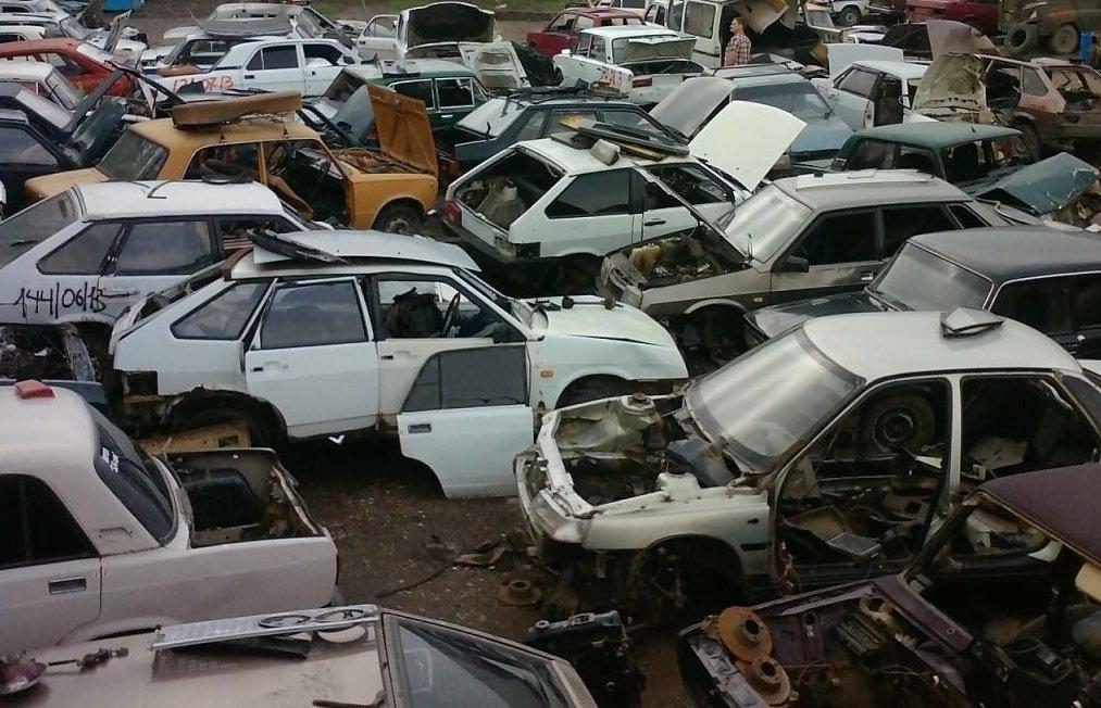 Выгодно ли разбирать на запчасти отечественные машины?